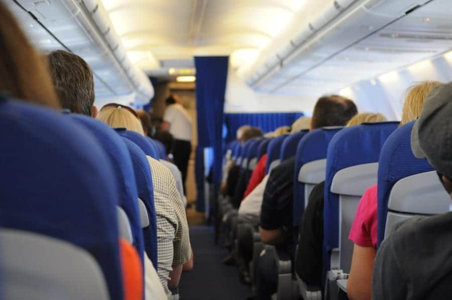 Working as a flight attendant. Types of airlines – where and how to start?